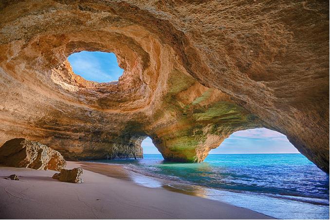 世界风情 阿尔加维(Algarve)的洞穴。