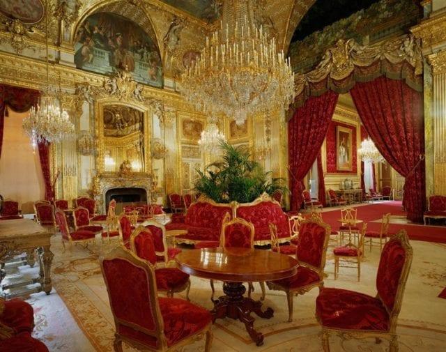 巴黎景点 卢浮宫