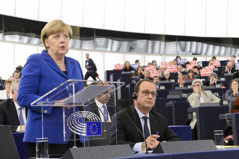 德法领袖欧议会演说 默克尔