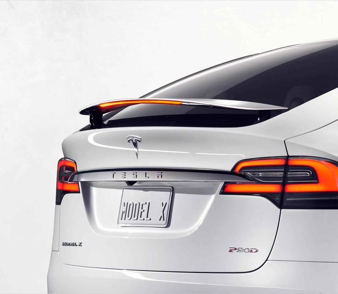 Tesla的Model X越野车。