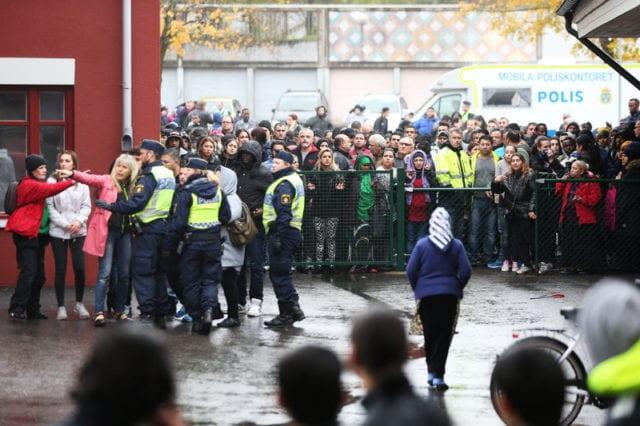 瑞典 学校 砍人