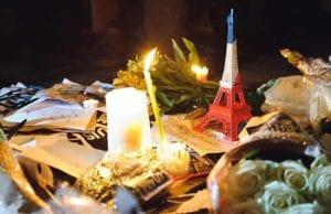 巴黎恐怖袭击 悼念 铁塔