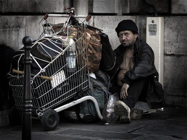 巴黎 街头流浪汉 无家可归者