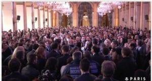 巴黎恐怖袭击 市政厅 默哀