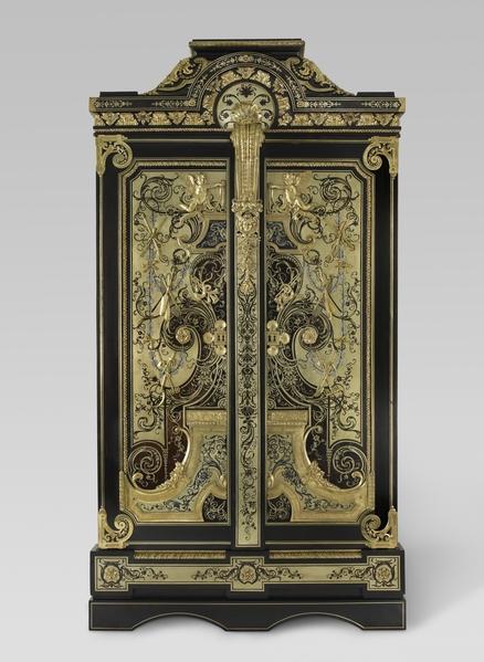 来自王室家具贮藏库的衣橱,约1700-1720年由安德烈-查理‧布勒(André-Charles Boulle)制作。(©Musée du Louvre, dist.RMN-GP/Martine Beck-Coppola)