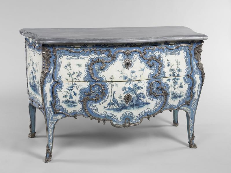 马蒂厄‧吉拉尔1742年为玛伊夫人舒瓦西城堡的蓝色睡房打造的五斗柜。(©Musée du Louvre, dist.RMN-GP/Thierry Ollivier)