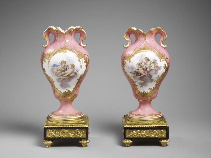 蓬皮杜夫人的玫瑰红花瓶。(© Musée du Louvre, dist. RMN-GP/Thierry Ollivier)