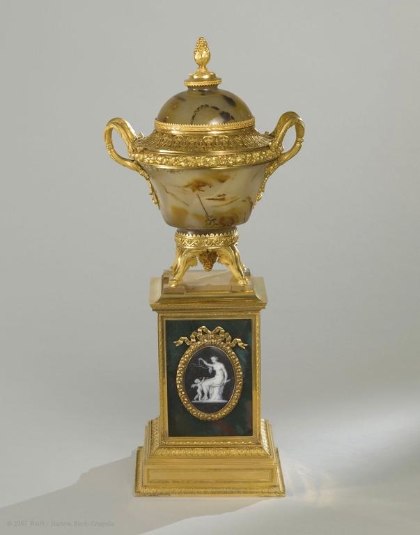 玛丽-安托瓦内特的玛瑙和黄金香炉,1784年制。(© RMN-GP(musée du Louvre)Martine Beck-Coppola)