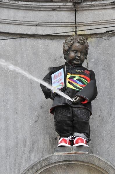 比利时尿尿小童