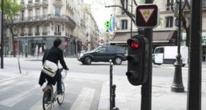 巴黎 自行车 红灯