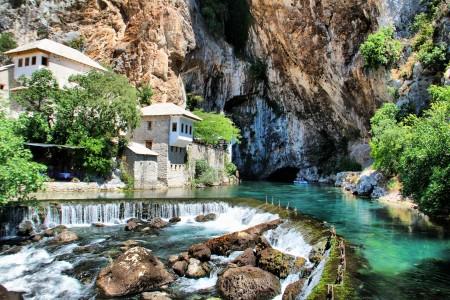 布拉加附近的布纳河泉水是欧洲最大的岩溶泉之一。(Talha Şamil Çakır / 维基百科)