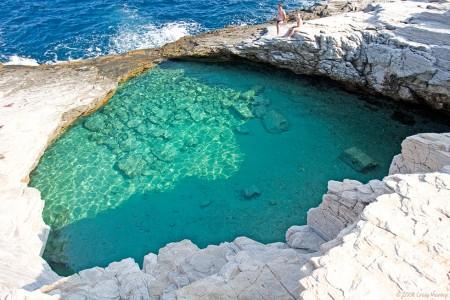 吉奥拉天然海水泳池(希腊萨索斯旅游网)
