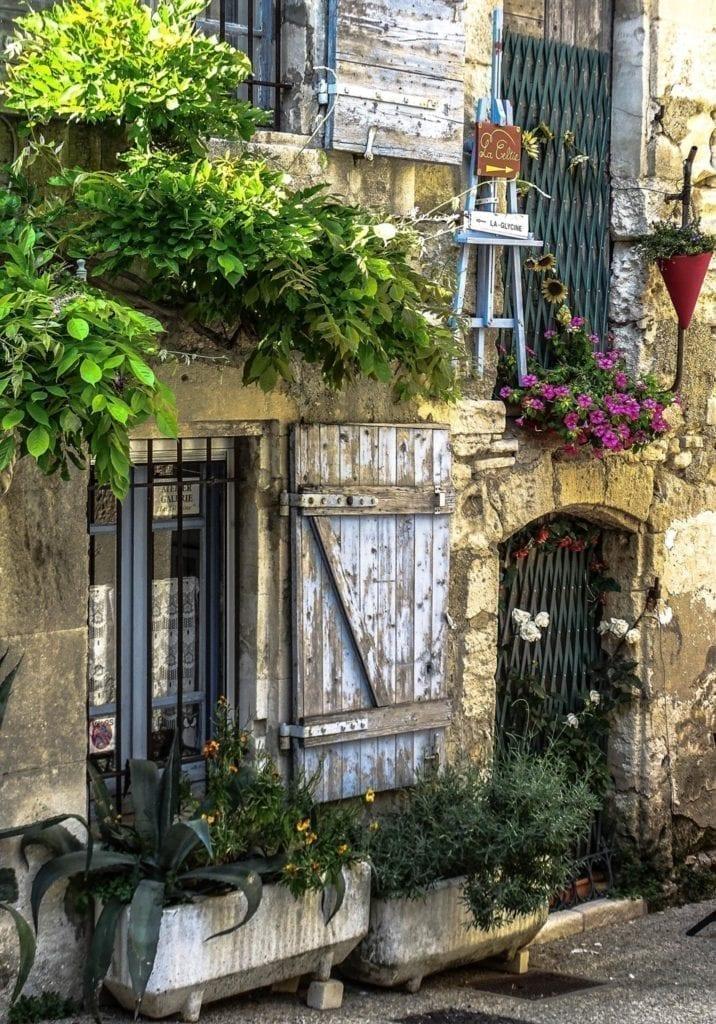 圣雷米是一个历史悠久的小城。(圣雷米官方脸书)