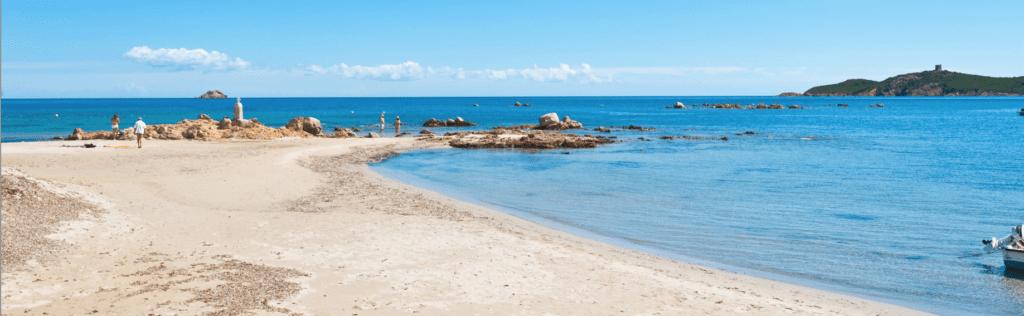 科西嘉岛皮纳雷洛海湾景致(网络图片)