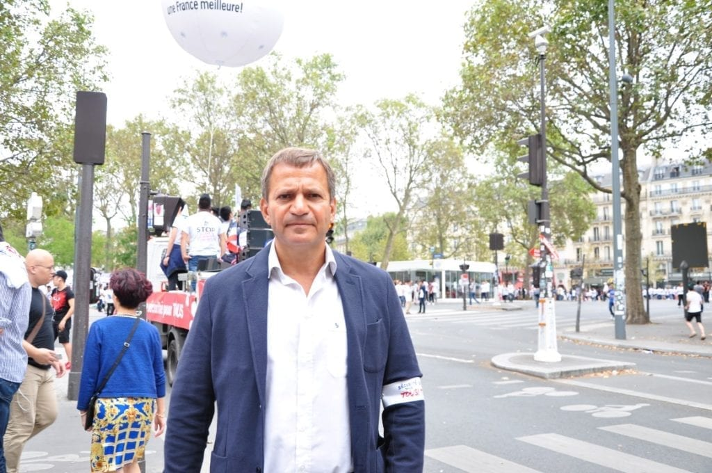 巴黎大区副主席PATRICK KARAM参加游行。(金湖/大纪元)