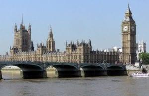 英国议会大厦(维基百科)