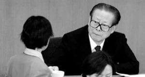 江泽民看美女(网络图片)
