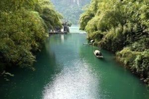 身临其中最雄伟壮丽的一段(图片:piaxbay)——老三峡,方能深切体悟到诗仙李白那首《下江陵》之豪放、飘逸和博爱的情怀