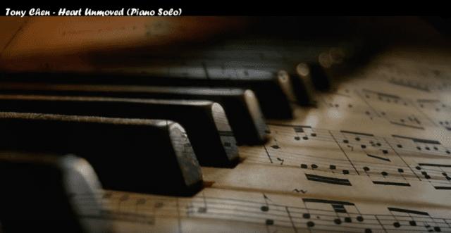 不随着烦恼思索,静下来,请听陈东钢琴:心不动(视频截图)