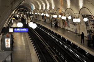 巴黎地铁(图片来源:pxhere)