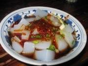 调味后的凉粉调味后的凉粉(图片来源:维基百科/Phurbutsering)