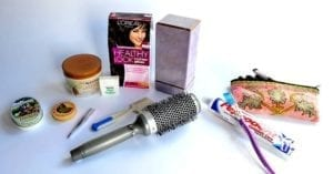 女士化妆品(图片来源:wikiHow/FB截图)