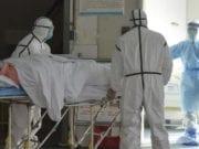 在武汉肺炎仍然施虐的情况下,复工复产,将加大疫情再次恶化的风险。(美联社)