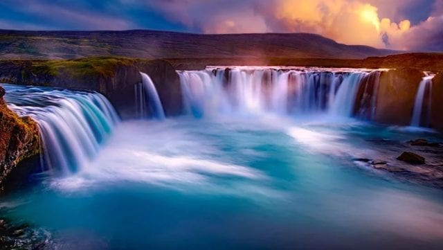 冰岛人口确诊中共病毒如此之高,跟中共走得近引火烧身。(pixabay.com)