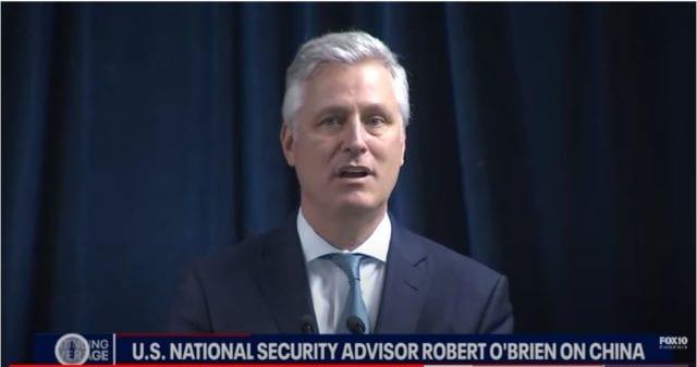 美国国家安全局顾问罗伯特·布赖恩(Robert O'Brien)周五在亚利桑那州凤凰城抨击中共。(网络截图)