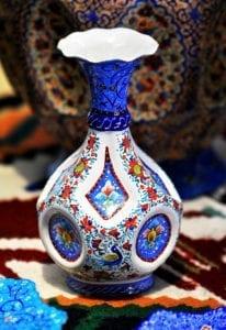 很有特色的瓷瓶