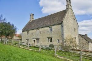 牛顿出生的房子,位于英格兰林肯郡伍尔索普。