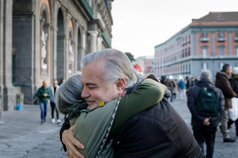 意大利人打招呼的方式显示了他们的热情!( 图片来源:pixabay)