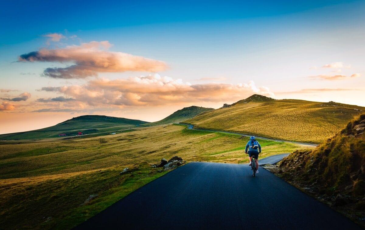令人惊艳的单车旅行(圖片來源:pexels)