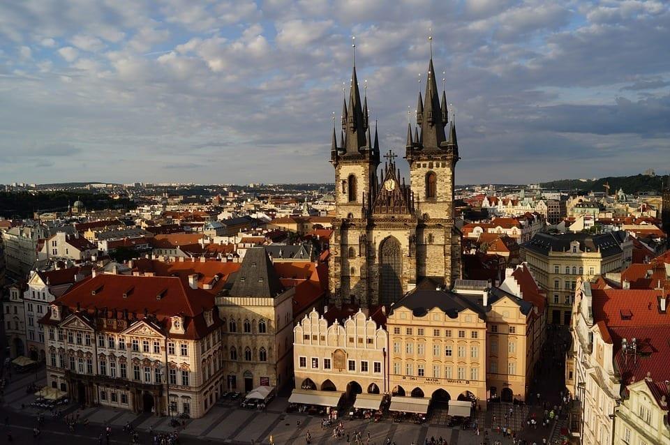 严重的疫情促使捷克政府迅速实施了新的社会限制措施。(图片来源:pixabay)