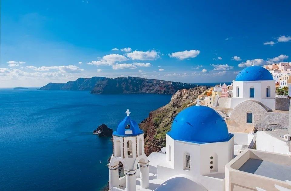 希腊计划于5月中旬对外国游客开放旅游业。图为希腊岛屿。(图片来源:pixabay)